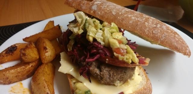 Ciabatta-Rotkraut-Burger