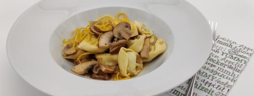 Tortellini mit Champignon-Orangen-Sauce