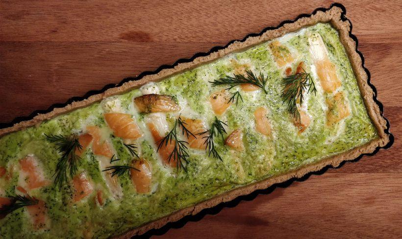 Bärlauch-Tarte mit Spargel und Lachs
