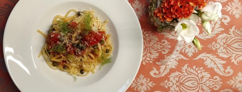 Linguine mit Fenchel, Tomaten und Kapern