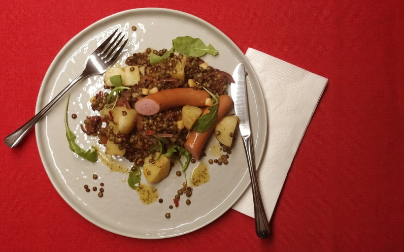 Lauwarmer Kartoffel-Linsen-Salat
