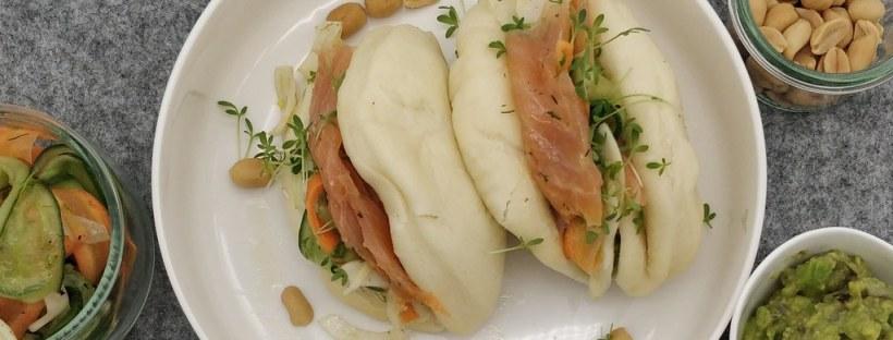 Gua Bao Buns mit Räucherlachs