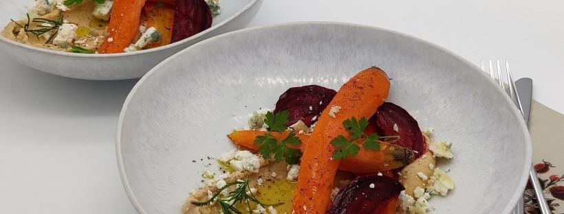 Meersalz-Gemüse mit warmem Hummus und Feta