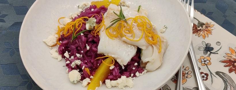 Rotkraut-Risotto mit Kabeljau und Graukäse