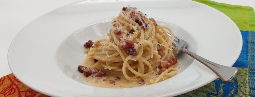 """Spaghetti alla Carbonara """"della casa"""" 🇮🇹"""